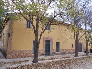 6 bedroom Villa for sale in Yecla