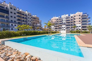 3 bedroom Penthouse for sale in Mil Palmeras