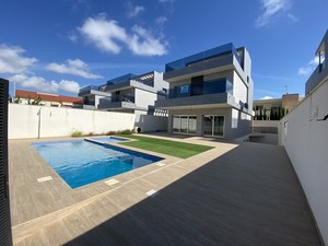 5 bedroom Villa for sale in Torre de la Horadada