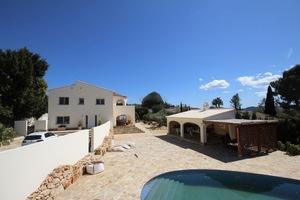 4 Bedroom Villa in Javea for Sale on Montgo
