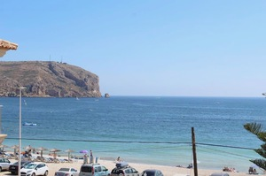 Apartment with sea views to let Javea.