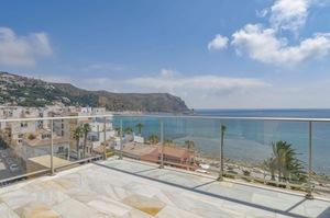 Penthouse de 3 chambres à louer à Javea avec vue sur la mer