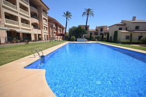 Modern apartment to let in Javea Port