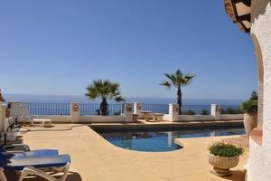 Villa en venta Cabo la Nao Javea