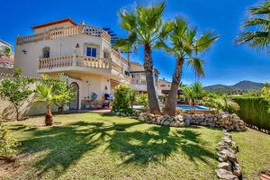 Gran villa con fabulosas vistas en venta en Javea