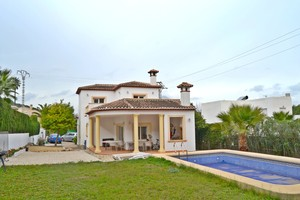 Villa to let in Javea