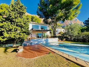 Villa for sale on Montgo Javea