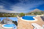 Villa moderna de 4 dormitorios en venta en Javea