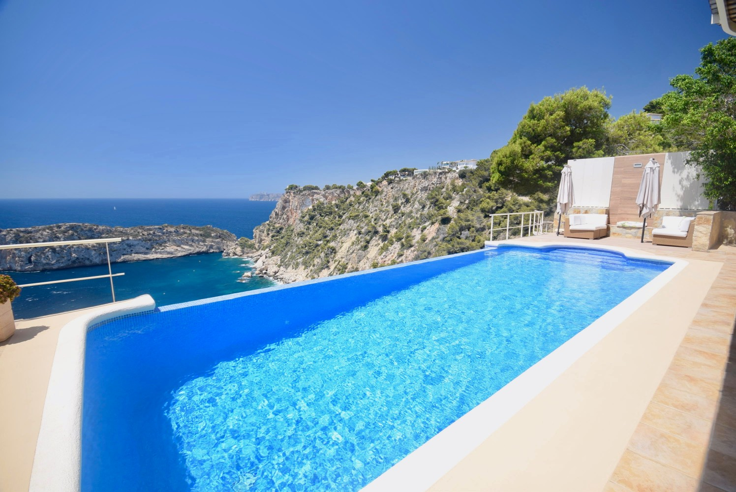 Villas for sale in Cuesta San Antonio Javea