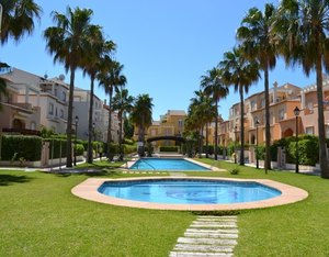 Ground floor apartment for sale Javea Arenal.