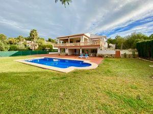 Modern villa for long term rental in Javea