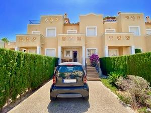 Maison de ville moderne à vendre à La Sella