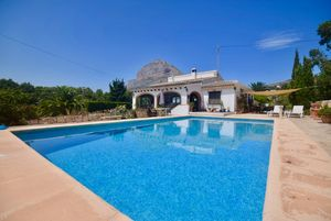 Spacious villa for sale Montgo Javea