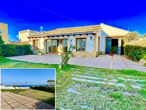 Villa with sea views for sale in Javea
