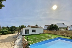 Villa with Pool for Rent long term in Javea