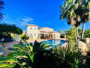 Fabuleuse villa de 4 chambres à vendre à Javea