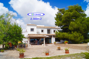 Large Finca for sale in Teulada