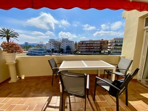 Penthouse apartment with sea views for long term rental in Javea