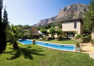 Villa to let in Montgo Javea
