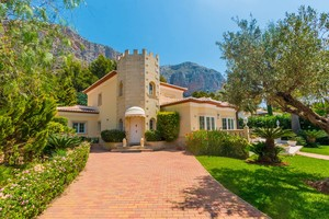 Houses for sale in Montgo Javea