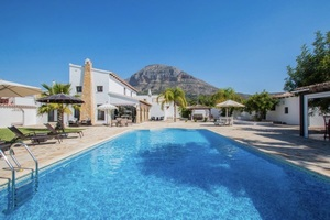 Modern villa to rent for winter in Javea