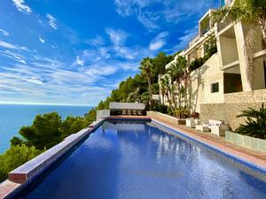 Villa unique en première ligne à louer à long terme Javea Granadella