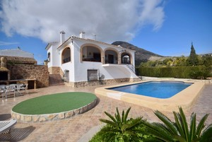 Unfurnished family villa for long term rental Javea Montgo.
