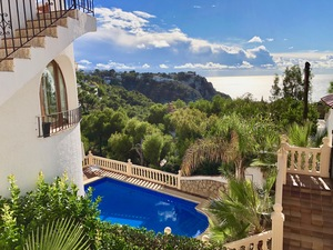 Villa for sale with sea views in Javea
