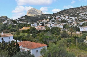 Unfurnished apartment to let in Javea Old Town.