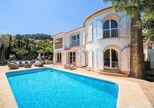 Villa en venta con vistas al mar Javea Portichol
