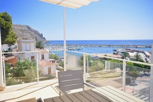Modern Townhouse for long term rental in Javea Port