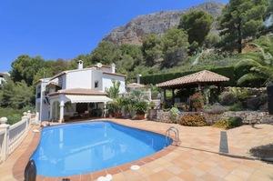 Villa for sale in Montgo of Javea.