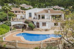 Villa moderna en venta montgo Javea