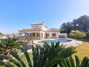 6 Bedroom villa to rent long term in Javea