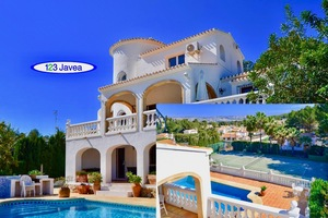 Villa for sale in Javea with Tennis court