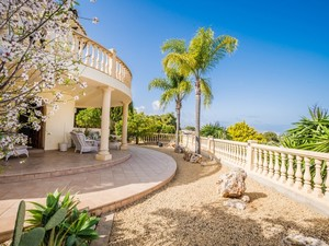 South facing willa with sea view for sale Javea
