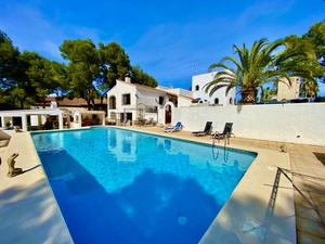 Large spacious villa for sale in Javea