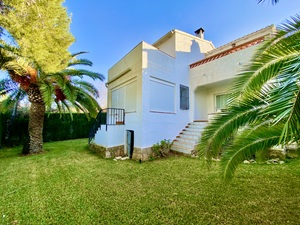 Townhouse for sale in La Sella with communal pool