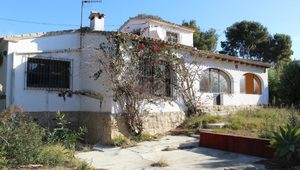 Bargain villa for sale in Javea