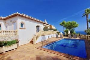 5 Bedroom Villa for Sale in Javea with Sea Views