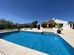 Villa on one level to rent long term in Javea