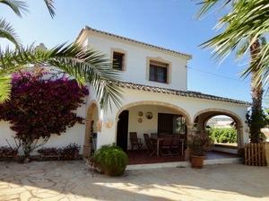 4 bedroom villa for long term rental in Javea.
