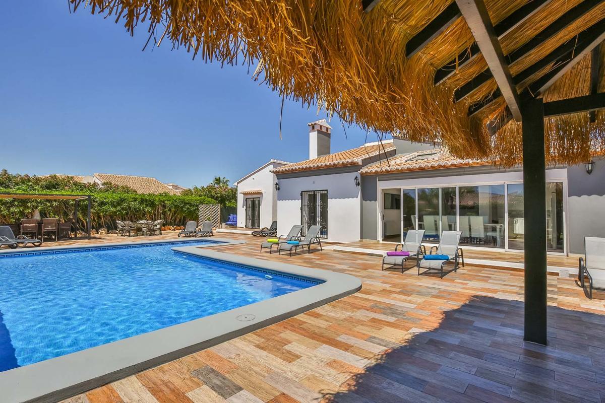 Single level villas for sale in Javea