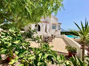 Villas à vendre avec une vue magnifique à Gata de Gorgos