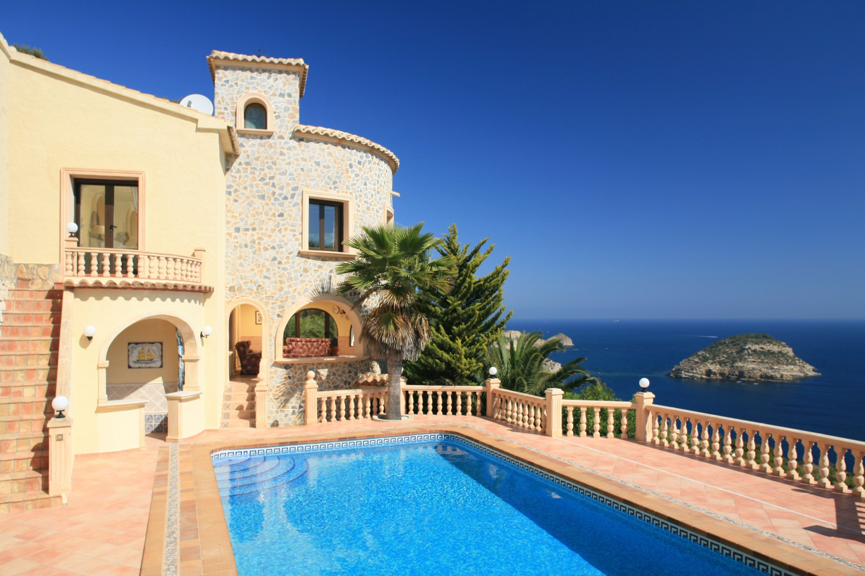 Luxury villa to Let in Javea