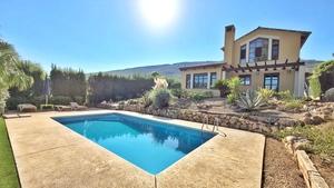 Winter rental villa in Javea with pool