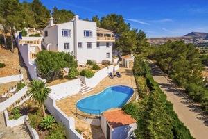 4 Bedroom Villa in Javea for Sale