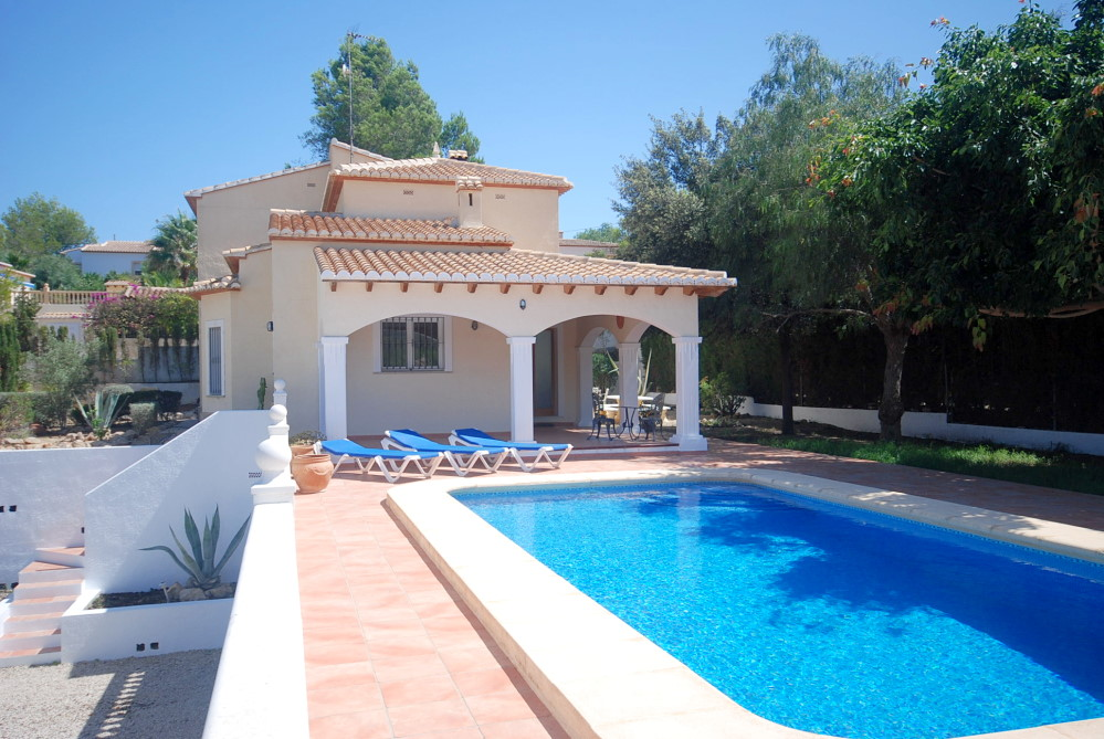 Modern villas to let in Javea