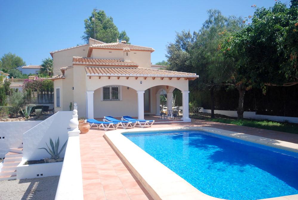 Modern villas to let in Javea