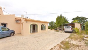 Unfurnished villa to let Javea.